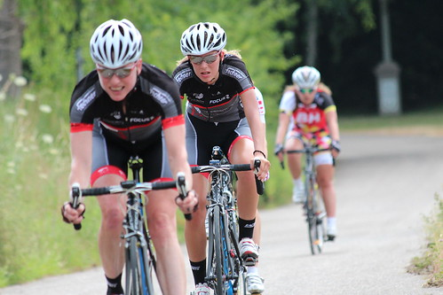 Steffi Meizer vorne leistete starke Arbeit für die Mannschaft der RACING STUDENTS Frauen_Foto Team