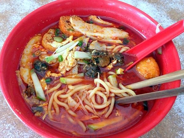 juat lye Melaka - good curry laksa-003