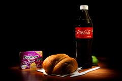 Bodegón con telera y Coca-Cola