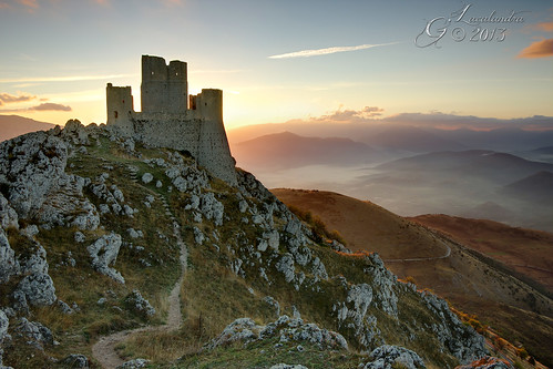castle sunrise pentax alba k5 abruzzo sigma1020mmf456exdchsm roccacalascio justpentax pentaxiani