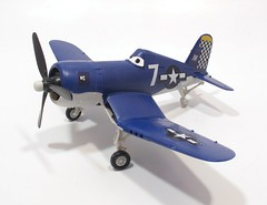 model aircraft, aviation, airplane, propeller driven aircraft, wing, vehicle, radio-controlled aircraft, vought f4u corsair, fighter aircraft, grumman f6f hellcat, propeller, scale model, aircraft engine,