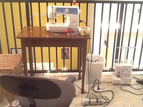 "Sewing machine ""set up"""