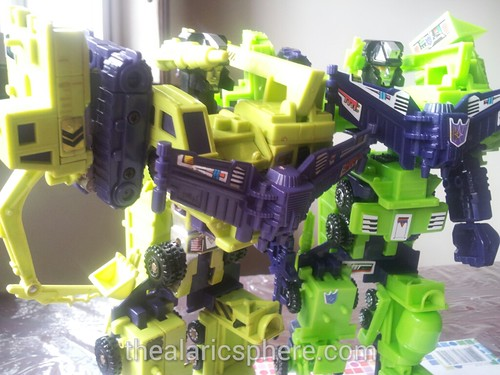 Transformers-Devastator-G1-toys-old-new