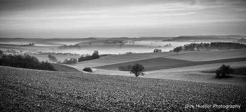 The valley in the fog by Dirk Mueller Photography
