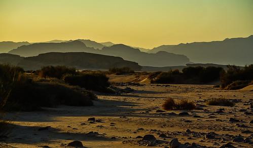 light shadow licht desert wadirum jordan layers kati schatten unescoworldheritage aqaba jordanien wüste 2014 abendstimmung hügel eveningmood unescoweltkulturerbe nikon1v1