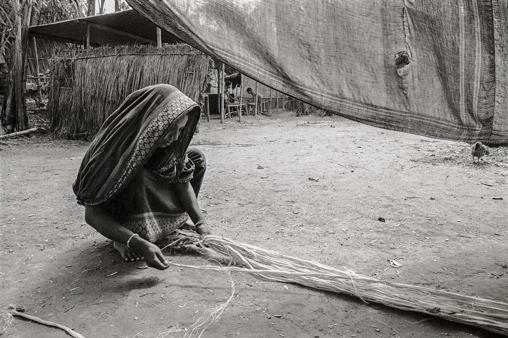 Woman making jute rope 1988 v2
