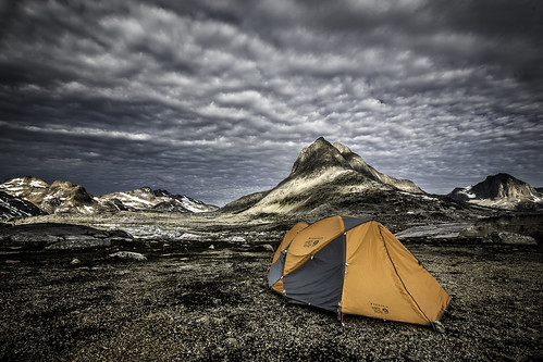 camp landscape hiking tent arctic adventure commercial greenland inuit eastgreenland ammassalik greenlander sermersooq visitgreenland bymadspihl pioneeringpeople destinationeastgreenland limitedcommerciallicense begrænsetkommerciellicens