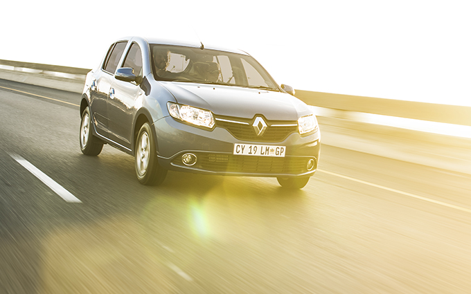 dna photographers Renault Sandero 14