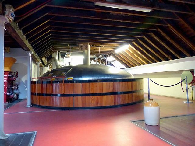 Royaume-Uni, l'Ecosse à Pitlochry, cuve de fermentation à la distillerie Bell'S