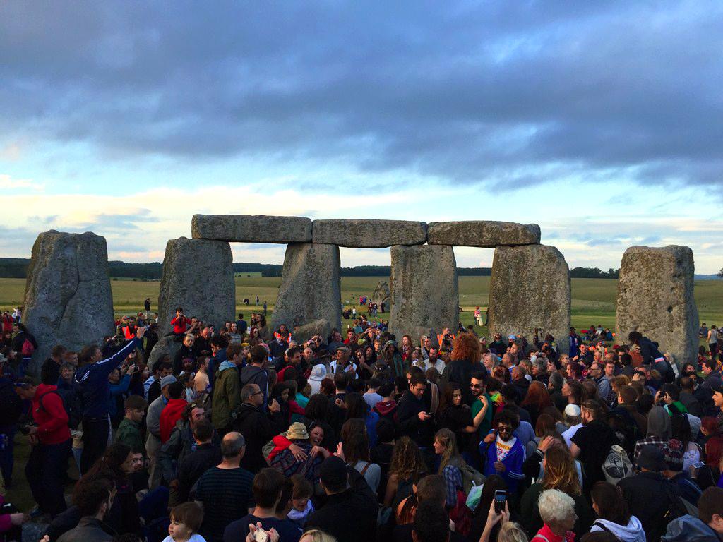 Interior de Stonehenge el día del Solsticio stonehenge el día del solsticio - 20071761901 372e89657d o - Stonehenge el día del Solsticio
