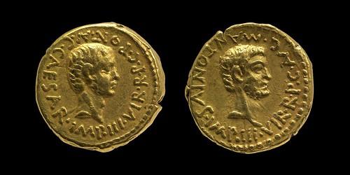 493/1 Octavian C.CAESAR IMP III, Mark Antony M.ANTONIVS IMP III Aureus. Winckless collection.