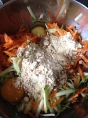 Zucchini-Möhren-Puffer