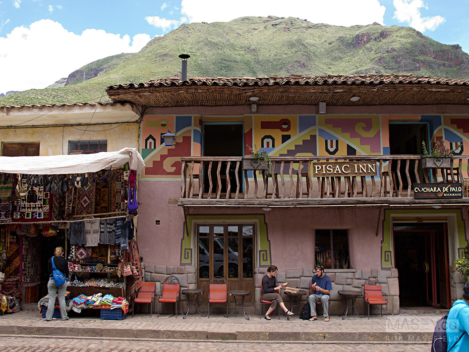 Time to shop in Pisac.