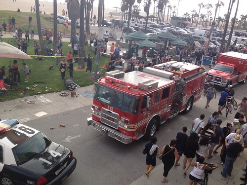 Car hits people on Ocean Front Walk