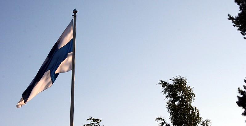 suomen lippu salossa