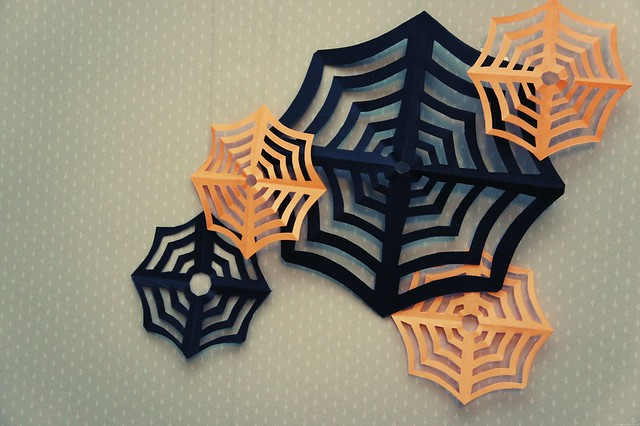 papercraft spiderwebs diy