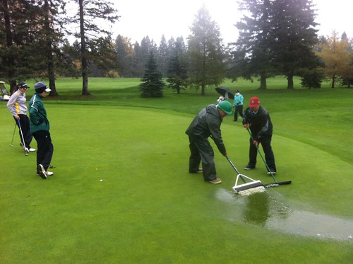 Wet conditions on day 3 2013 PING CCAA Nationals (Oct 18, 2013 BILTON JR)