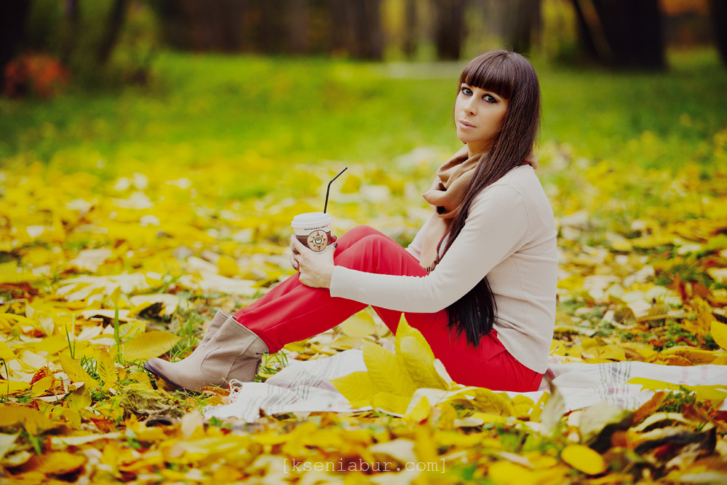 Фотосессия девушки осенью, фото девушки