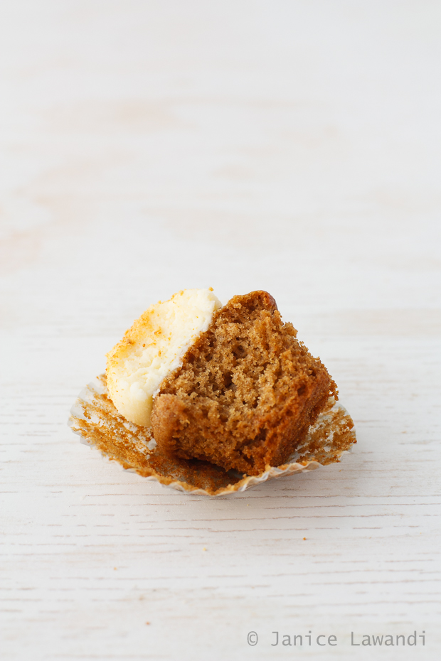 apple spice cupcakes with cream cheese frosting | kitchen heals soul