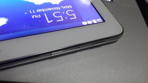 ปุ่มเปิดปิดหน้าจอ และ ปุ่มปรับระดับเสียงของ Samsung Galaxy Note 10.1 2014 Edition