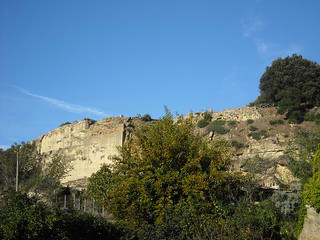 Acropolis of Cuma (Naples): Boundary wall and temple of Apollo
