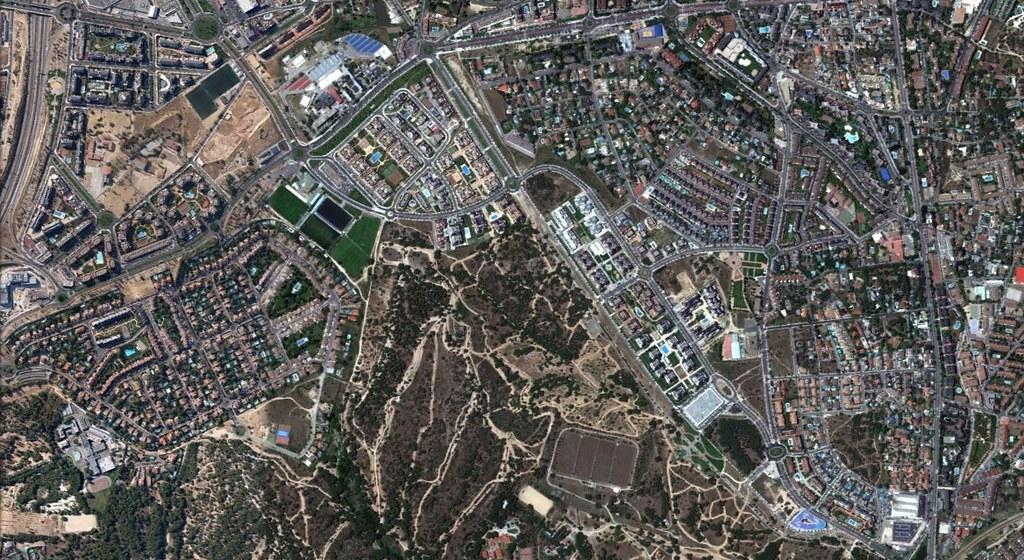 majadahonda, madrid, entramos ahora en la zona rica de manhattan, que bien podría ser la zona páler pero en fin, después, urbanismo, planeamiento, urbano, desastre, urbanístico, construcción, rotondas, carretera