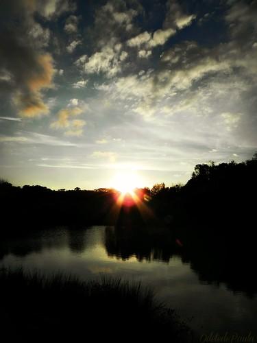 Poder assistir o entardecer e saber que vai ver o sol raiar by Odete de Paula