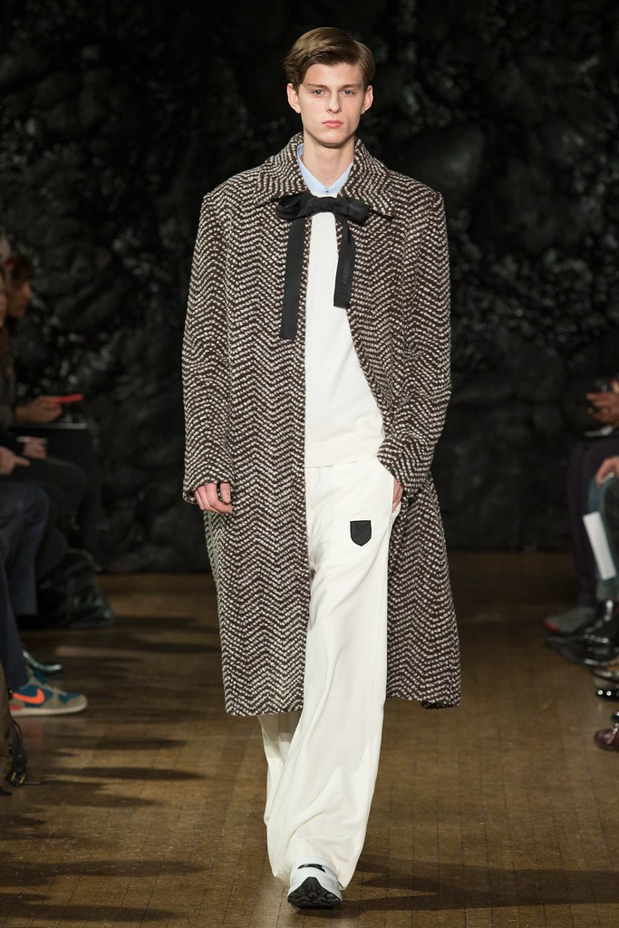 FW14 London Xander Zhou028_Elvis Jankus(VOGUE)