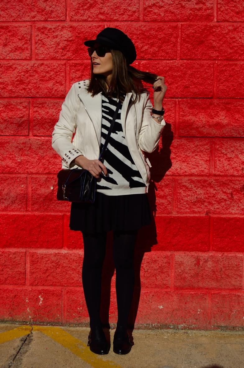 lara-vazquez-madlula-blog-fashion-easy-chic-black-white-outfit-hat-look