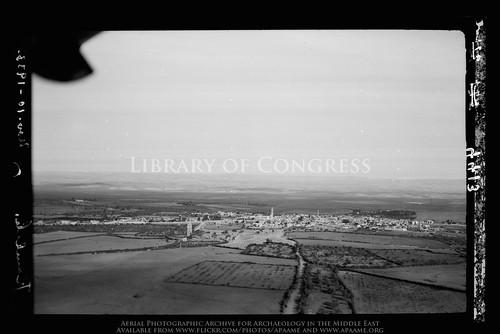 archaeology ancienthistory middleeast aerial libraryofcongress airphoto oblique aerialphotography ramla ramle matsoncollection nitratenegative aerialarchaeology arramlah geocodedbasedonsite