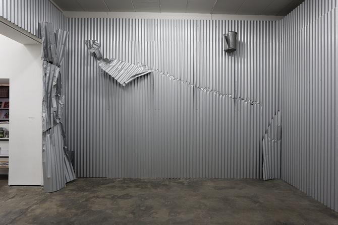 "Olaf Metzel ""Gelbes Mauerstück"" at WENTRUP Berlin, featured on artfridge.de"