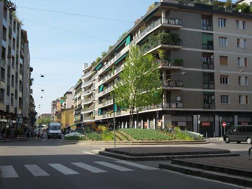 La rotonda di via Canonica by Ylbert Durishti