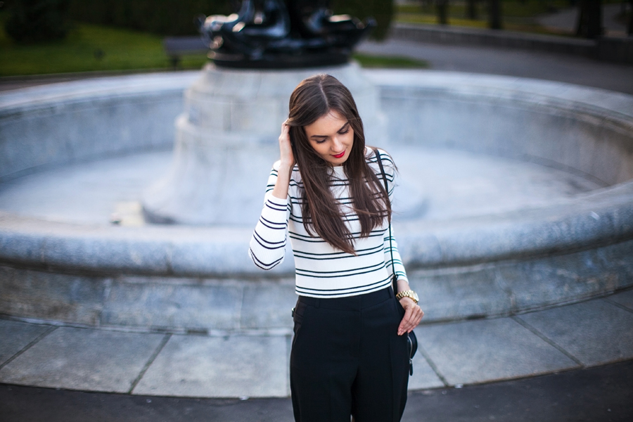 personal_style_fashion_blog_ukraine_outfit_stripes_crop_top_wide_pants