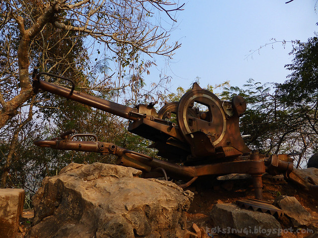 04 Phou Si Hill Birds Anti Aircraft Cannon