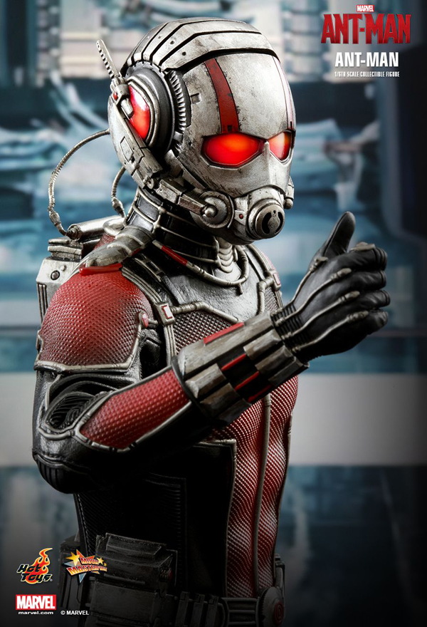 Hot _Toys_Ant_Man_03