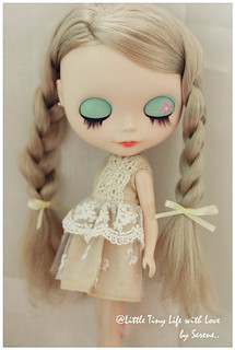 Simple dress for Blythe