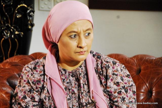 Liza Othman Pagang Watak Cikgu Kemisah