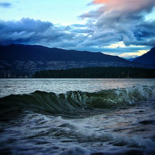 "Catch the Wave  #Vancouver and Join @GeorgiaStraight for the ""Kitsilano Beach Clean-up Event"