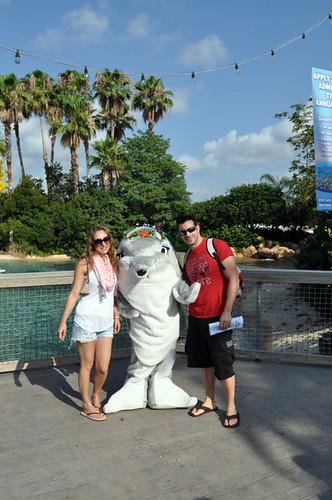 parques de atracciones de Estados Unidos: Con la mascota del SeaWorld Orlando parques de atracciones de estados unidos - 9472517603 96c966abf0 - Los mejores parques de atracciones de Estados Unidos
