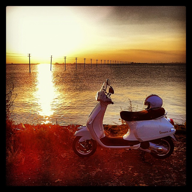 #Piaggio #Vespa LX125 3V + #Caberg #Riviera V2+ Italia