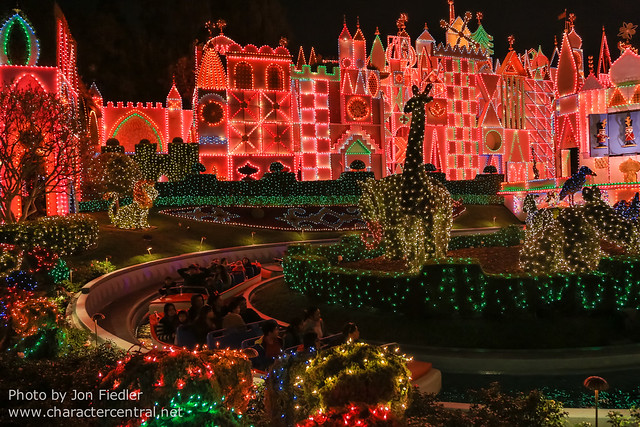"Disneyland Dec 2012 - ""it's a small world holiday"""