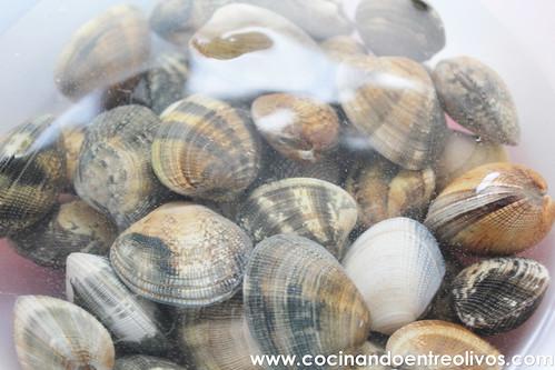 Almejas a la marinera www.cocinandoentreolivos (3)
