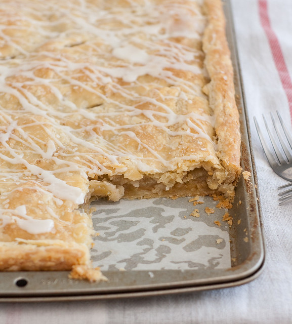 How to Make Apple Cranberry Slab Pie