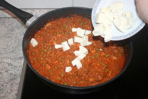 43 - Mozzarella unterheben / Add mozzarella