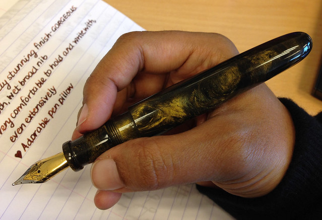 @PensByLyleRoss Pompey 3 Custom Fountain Pen - Gold Stardust