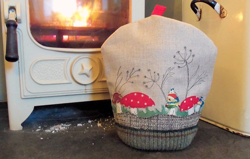 Toadstools & Seedheads Cosy
