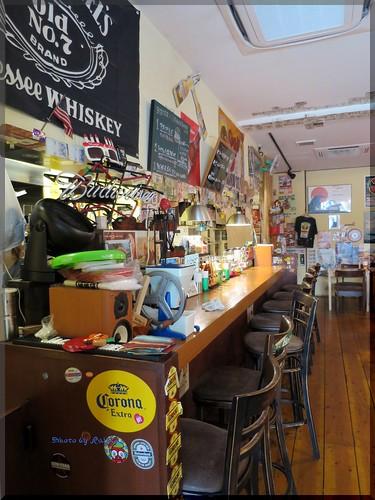 Photo:2013-12-27_ハンバーガーログブック_【沖縄】【県庁前】Zooton's 国際通り裏手にあるハンバーガーのお店でワカモレを頂きました-06 By:logtaka