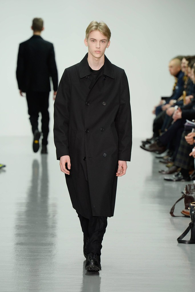 FW14 London Lou Dalton020_Dominik Sadoch(VOGUE)