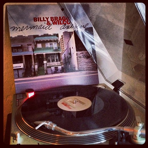 #vinylnotpigskin #billybraggandwilco #mermaidavenue #woody #nowspinning #clubrpm #photographicplaylist #vinyligclub #todaysoundslikethis by Big Gay Dragon