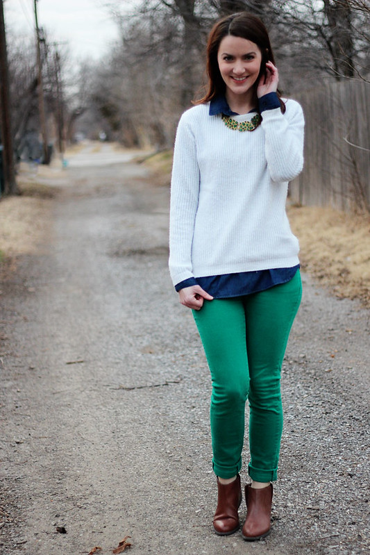 green-jeans-white-sweater2